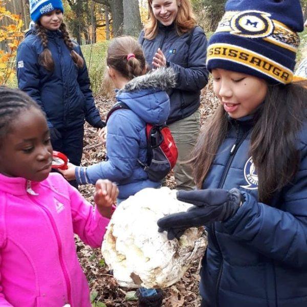 children doing science